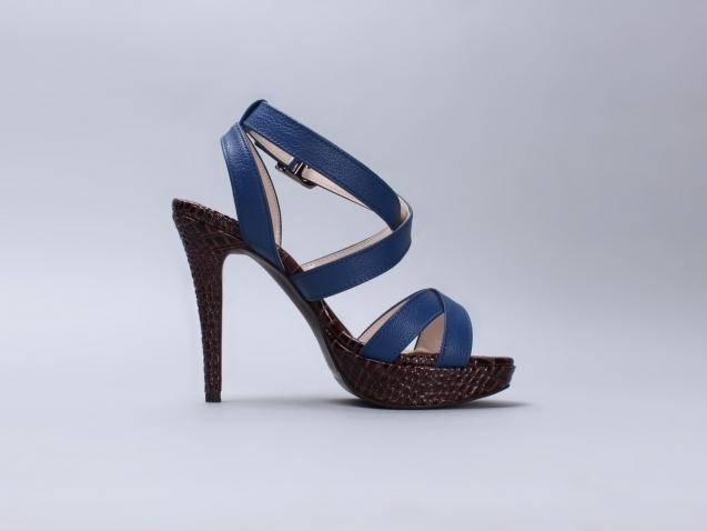 fashion-footwear-high-heels-40377